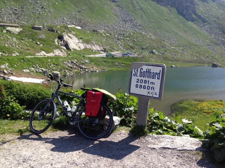 सेंट गॉथर्ड पास सायकलिंग