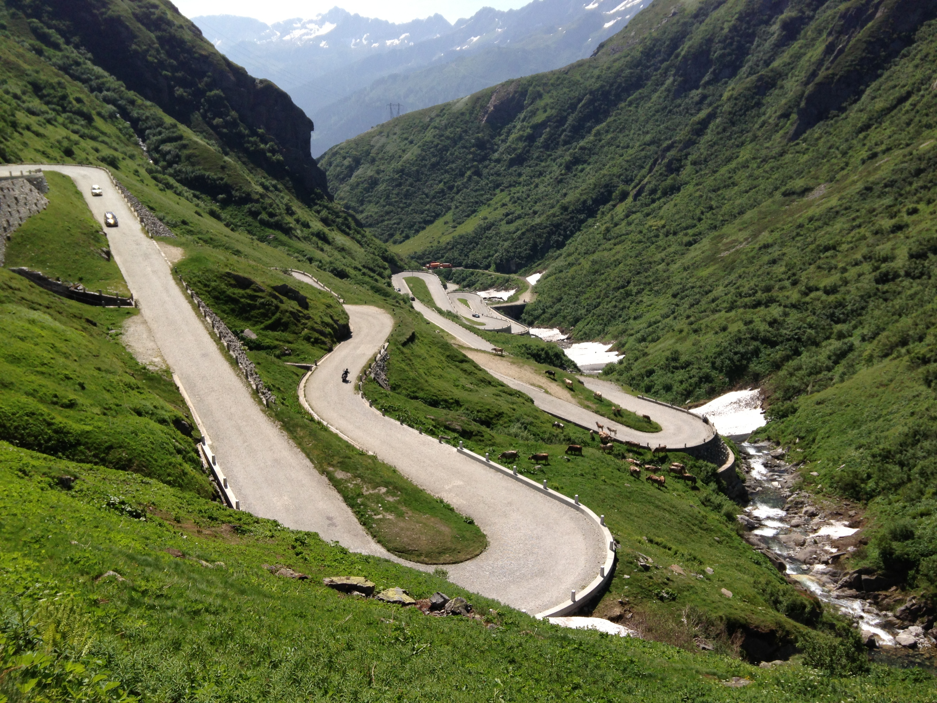cycling the st gotthard pass wauw go backpack go. Black Bedroom Furniture Sets. Home Design Ideas